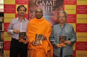 Shubha Vilas (centre), Anil Dharker (right). Picture: Newssuperfast.com