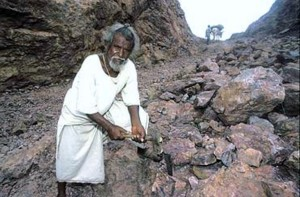 The real Dashrath Manjhi (Picture: thewire.com)