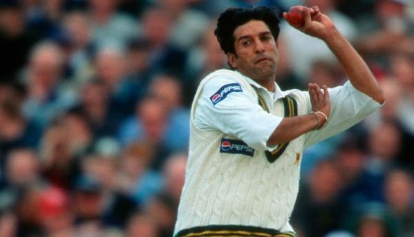 Wasim Akram bowling